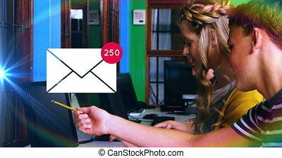 notification, augmenter, sur, utilisation, enveloppe, jeune, laptop., courrier, gens