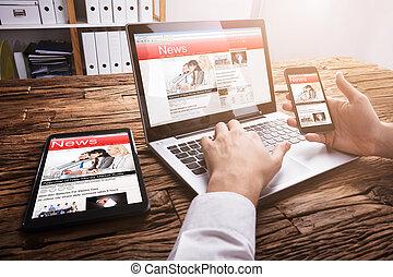 notizie, laptop, businessperson, lettura, linea