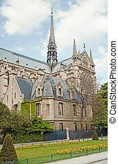 Notre Dame de Paris in spring time