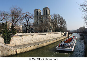 Notre Dame in the center of Paris