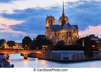 notre dame katedral, paris frankrig