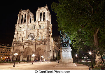 Notre Dame, Paris at night