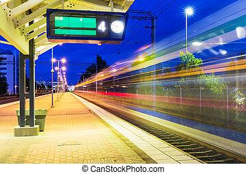 noturna, estação de comboios