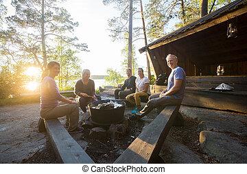 nourriture, cuisine, firepit, forêt, sourire, amis