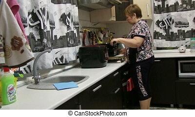 nourriture, femme, préparer, moule