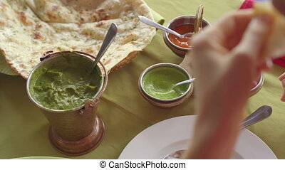 nourriture, indien, femme, jeune, concept, restaurant., ...