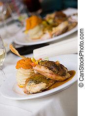 nourriture, sur, a, plaque, pendant, a, catered, événement