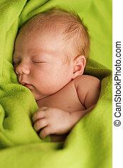 nouveau-né, couverture, vert, dormir
