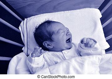 nouveau-né, crier