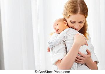nouveau né, offre embrassent, bébé, mère
