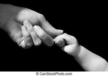 nouveau né, parent, pieds, tenant mains, bébé