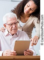 nouveau, personne agee, technologie, homme