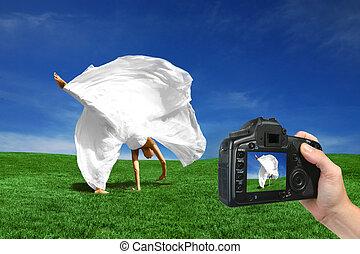 novia, cámara, capturar, feliz