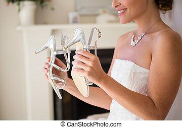 novia, midsection, tenencia, prueba, sonriente, sandalias, ...