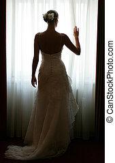 novia, ventana, silhouetted