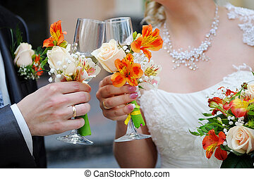novia y novio, ser, tenencia, anteojos de champán