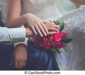 novio, rosa, estilo, novia, ramo, anillos, Manos,  -, país, pareja, rústico, apacible, boda, flores, Primer plano