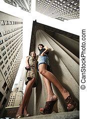 novo, dois, jovem, york, mulheres, cidade, excitado