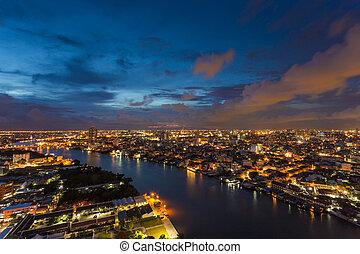 nowoczesna budowa, w, miasto, z, chaophaya, rzeka, na, bangkok, tajlandia