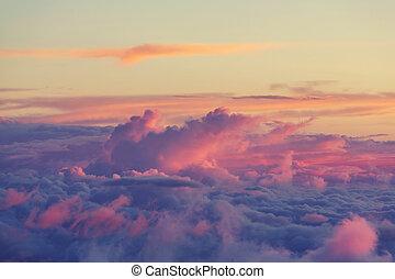 nuages, au-dessus