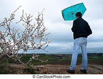 nuages, pluie torrentielle, parapluie, regard, homme