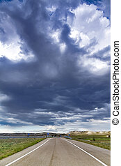 nubes, asfalto, camino, confuso