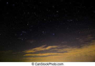nubes, cielo estrellado