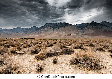 nubes oscuras, en, death valley