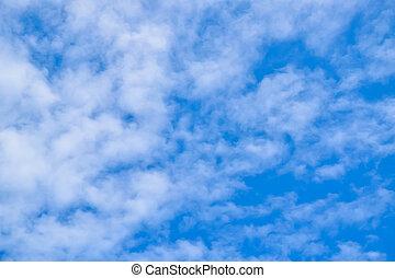nublado, céu azul