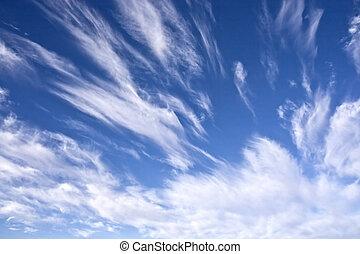 nublado, cielo azul