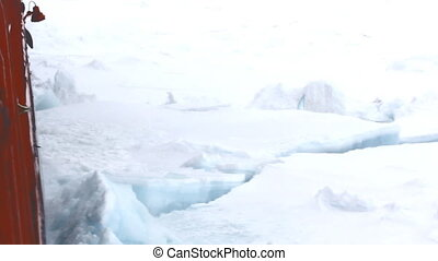 Nuclear-powered icebreaker makes its way to North pole -...