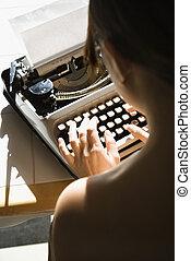 nude kvinde, typing.