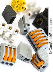 nuevo, eléctrico, más viejo, conectores, instalaciones