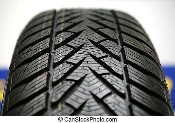 nuevo, neumático