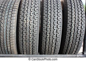 nuevo, neumáticos