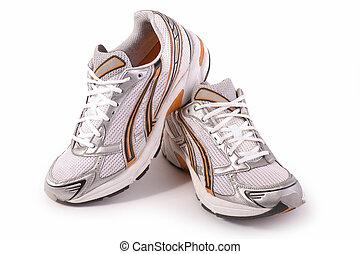 nuevo, zapatos corrientes, entrenadores