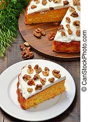 nuez, adornado, pedazo, glaseado, torta de la zanahoria