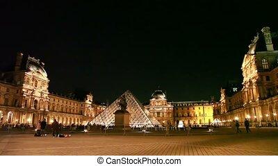nuit, carrée, touristes, louvre, devant, promenade