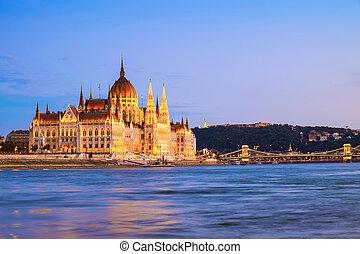 nuit, parlement, hongrois