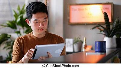 numérique, compteur, utilisation, cuisine, tablette, homme, 4k