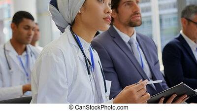 numérique, docteur féminin, séminaire, business, tenue, tablette, 4k