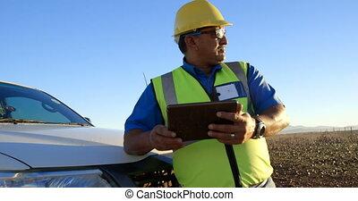 numérique, ingénieur, mâle, utilisation, voiture, tablette, 4k