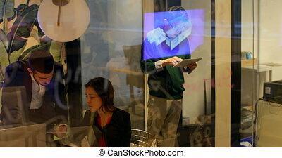 numérique, mâle, utilisation, cadre, tablette, 4k, bureau