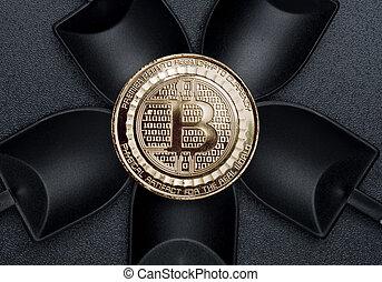 numérique, terrestre, argent., sur, crypto, monnaie, noir, bitcoins, vue, pelle, texture, cryptocurrency, rugueux, sommet, exploitation minière