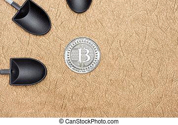 numérique, terrestre, argent., sur, crypto, monnaie, noir, bitcoins, vue, pelle, texture, cryptocurrency, rugueux, doré, argent, sommet, exploitation minière