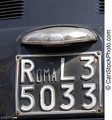numberplate of a fiat 500