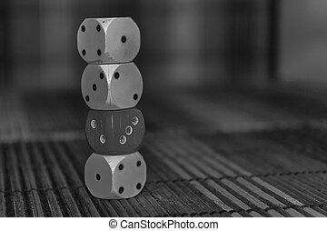 numero, monocromatico, pila, dado, sei, tre, plastica, fondo., 3, nero, asse, 2, bianco, rosso, marrone, cubo, dices, lati, dots., legno, 1