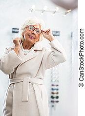 nuovo, anziano, occhiali, donna
