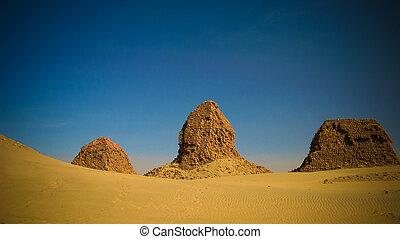 nuri, napata, sudão, região, piramides, karima, deserto