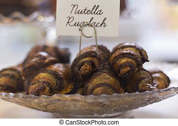 Nutella Rugelach, Jewish chocolate filled croissant desserts